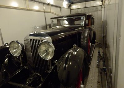 Our HGV transporters can easily accomodate a beautiful Bentley 8 litre Sedance de Ville