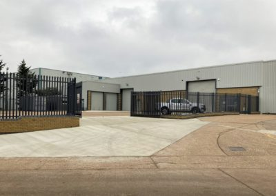JAR Ashford – purpose designed building with large private yard able to accommodate large car transporters. Secure perimeter fencing & CCTV throughout.