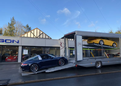 Fantastic Porsches (993 RS & 991 Targa) being loaded